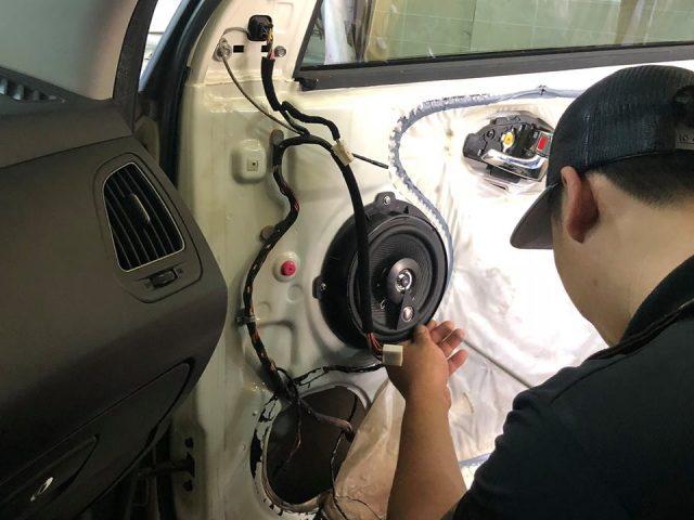 Nâng cấp Loa cánh cửa xe Hyundai Sonata