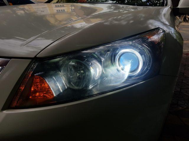 Độ đèn bi xenon cho xe Honda Accord