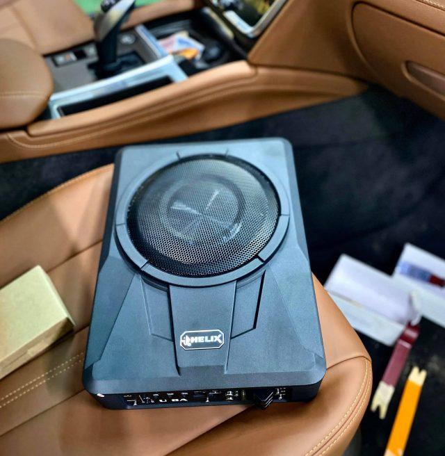Gắn Loa Sub gầm ghế cho xe Vinfast Lux A2.0