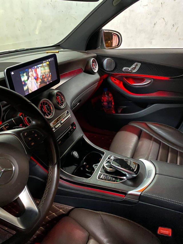 Đèn led viền nội thất xe Mercedes GLC300